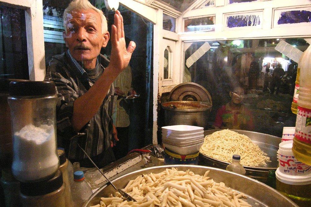 Cairo   Street food   Egyptian pasta in the street   ©sandrine cohen