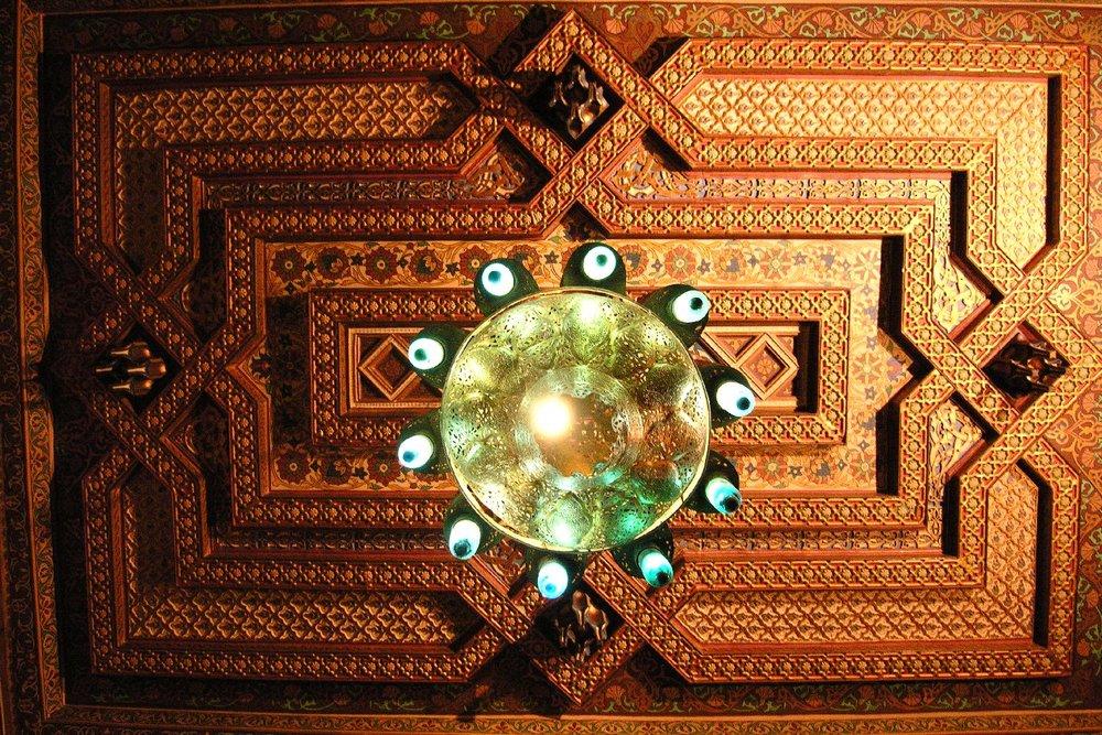 Cairo  Marriott Hotel  Egyptian decoration  Carved wooden ceiling sandrine cohen