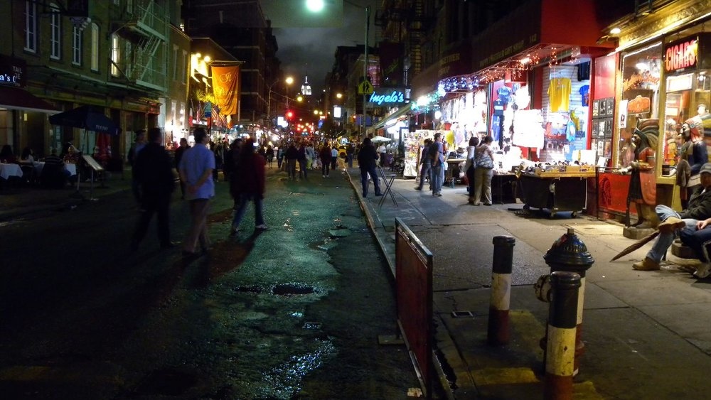 New York | Little Italy | Mulberry street at night | photo sandrine cohen