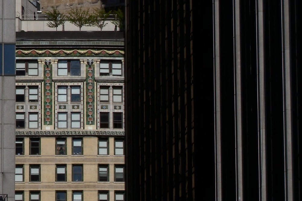 New York | Graphic buildings and windows | photo sandrine cohen