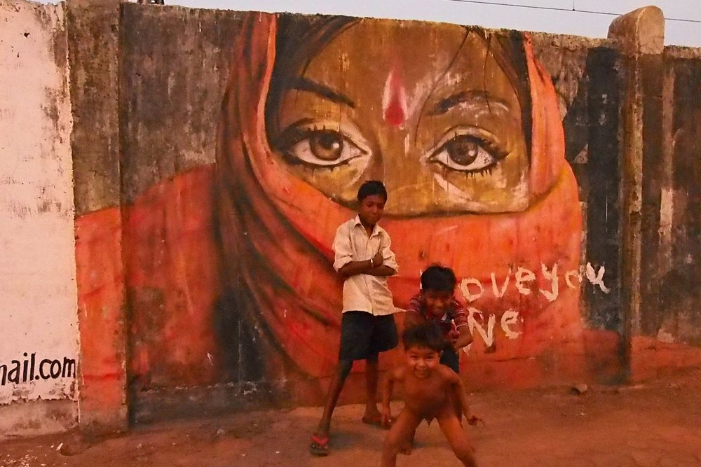 Bombay - Mumbai street art | I love you | Street children | gmail.com | India | ©sandrine cohen