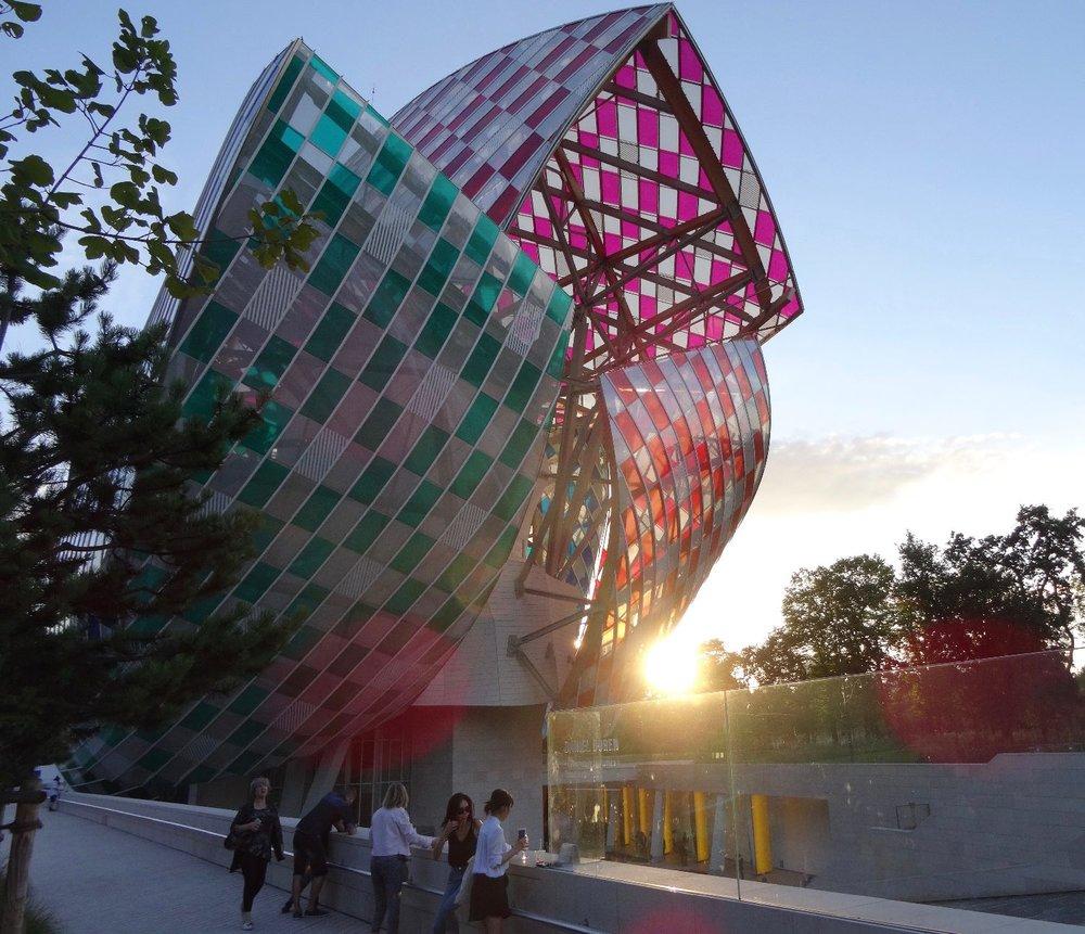 Fondation Louis Vuitton Paris 2 | David Buren colors | Franck Gehry architect designer | photo sandrine cohen