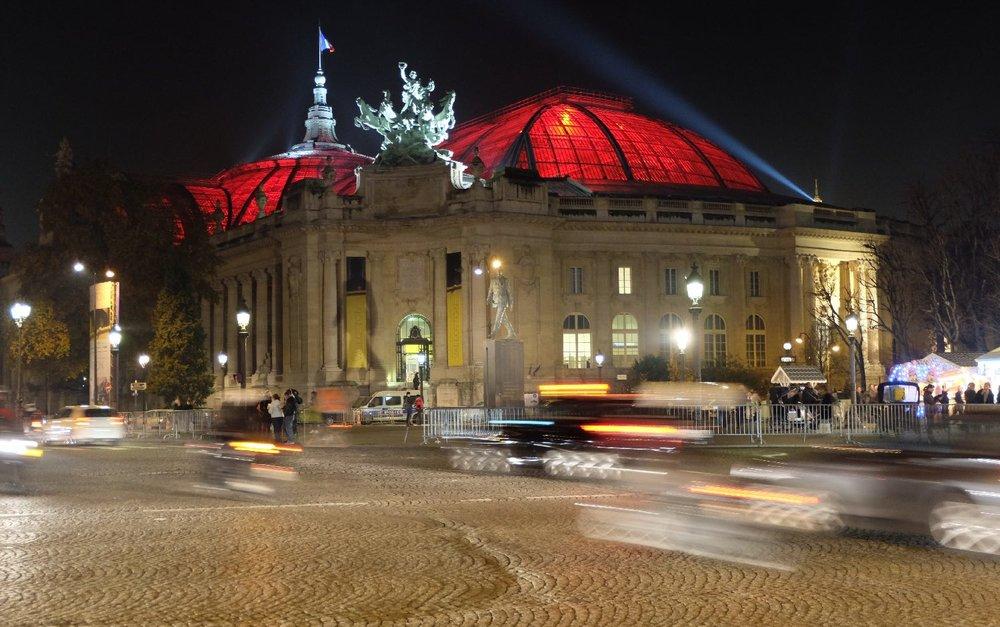 Le Grand Palais Paris at night | Champs-Elysées | streetphotography sandrine cohen
