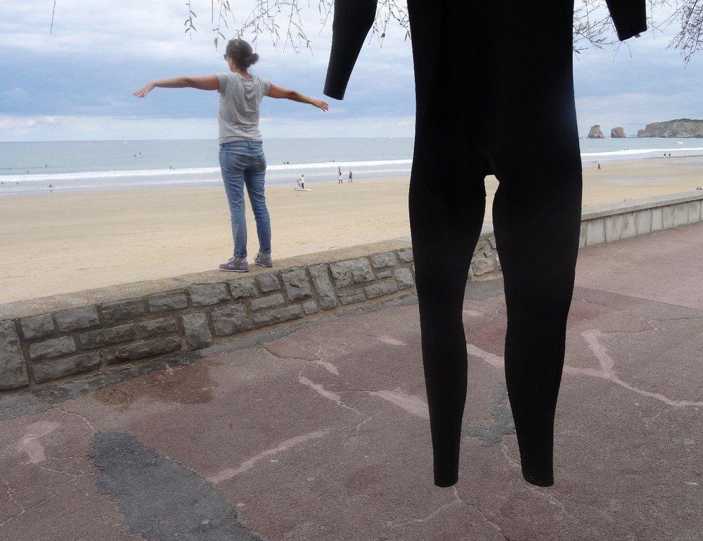 Hendaye Plage | Les deux jumeaux | Clothe for surf | Wetsuit | photo sandrine cohen