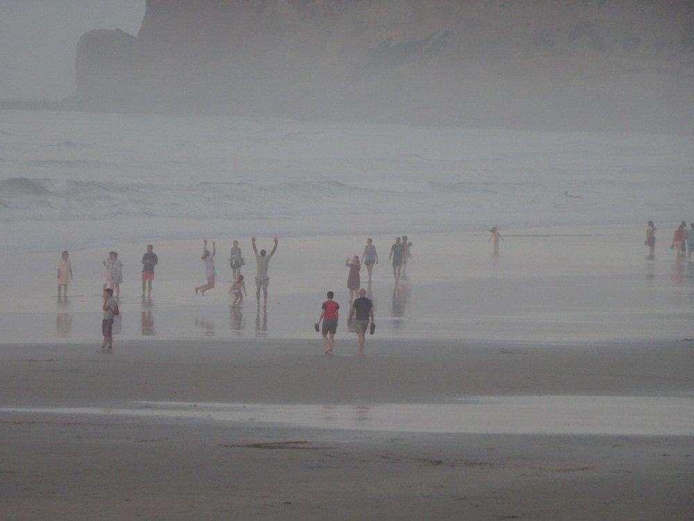 Hendaye Plage | Les deux jumeaux | Pays Basque | Brume d'automne en fin de journée sur la plage | Autumn mist at the end of the day on the beach | Basque coast | photo sandrine cohen