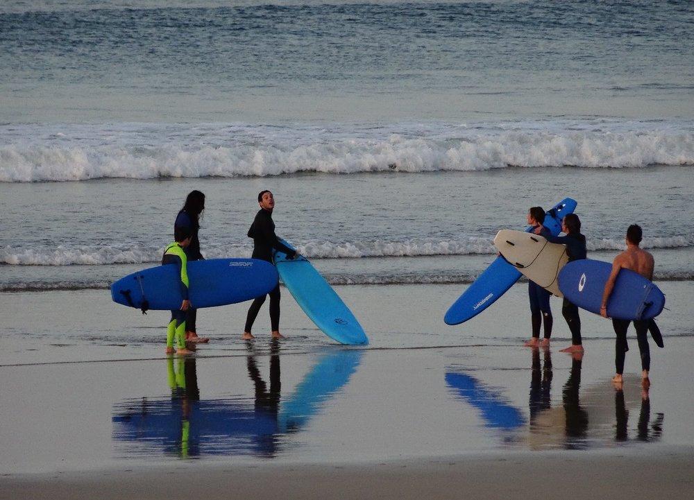 Hendaye Plage | Surfers |Surf | Blue surfboards 2 | photo sandrine cohen