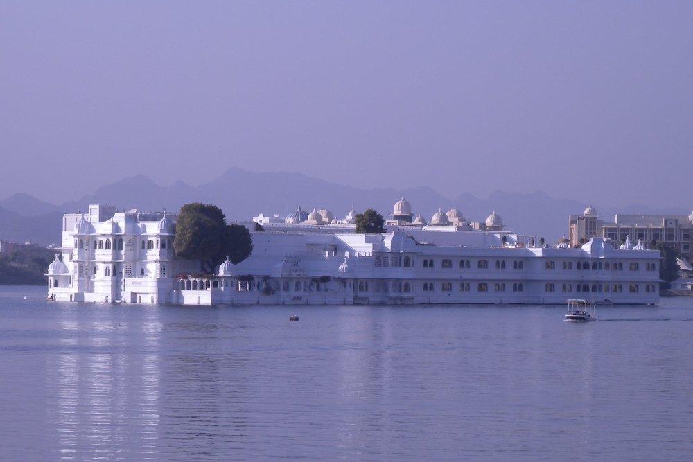 Udaipur 8 | Udaipur Lake | Lake Palace | Taj Hotel | ©sandrine cohen