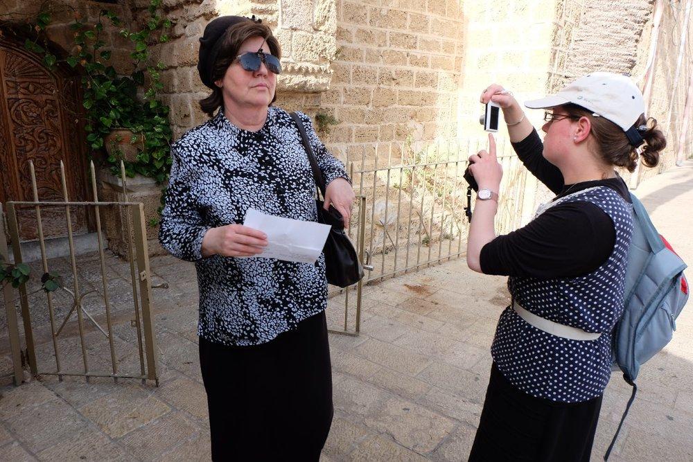 Old Jaffa | Orthodox women jews tourists | Photo sandrine cohen