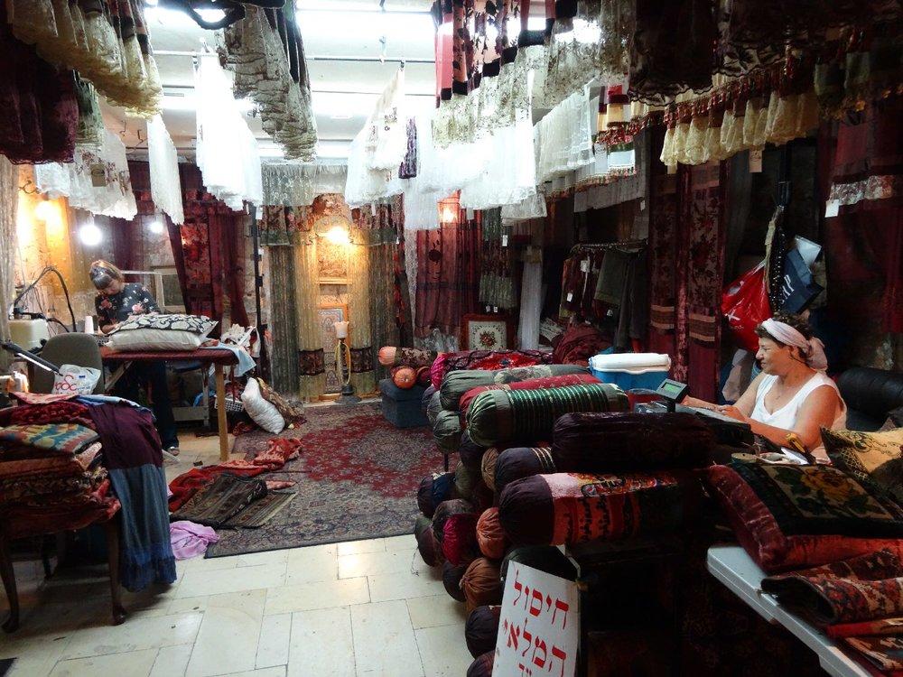 Jaffa | Flea market | Carpet shop | Women making pillows, curtains, bolsters | Photo sandrine cohen