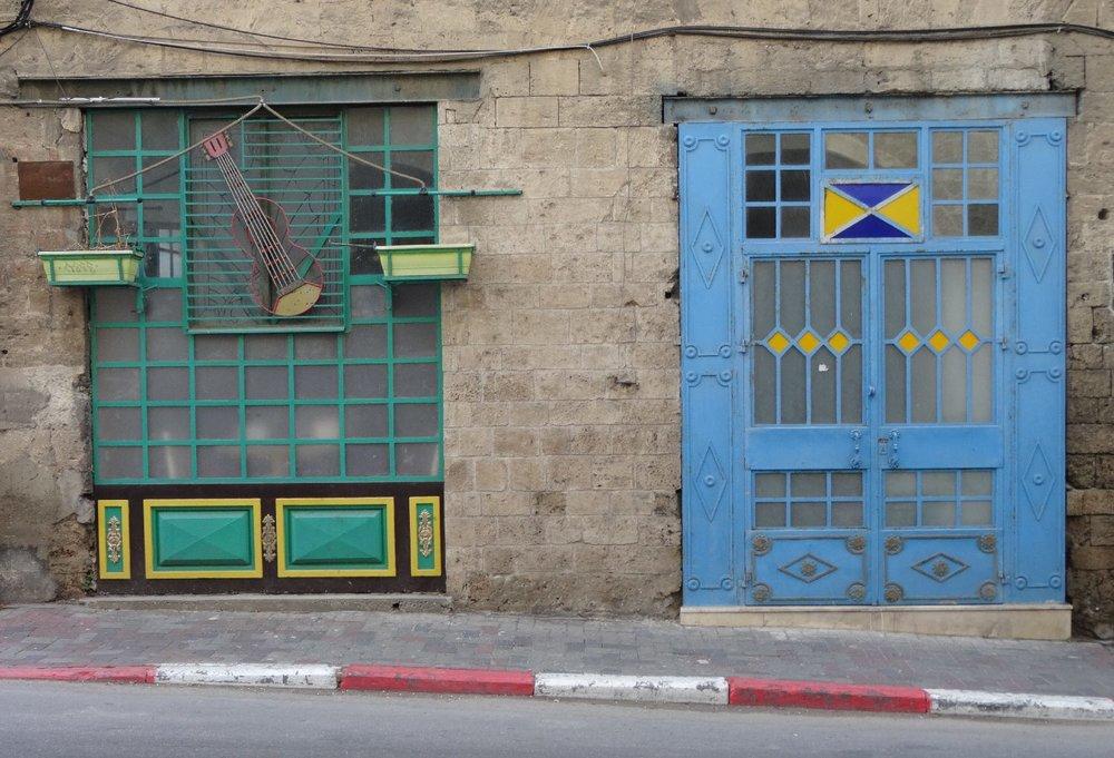 Jaffa | Green and blue windows shop | streetphotography sandrine cohen