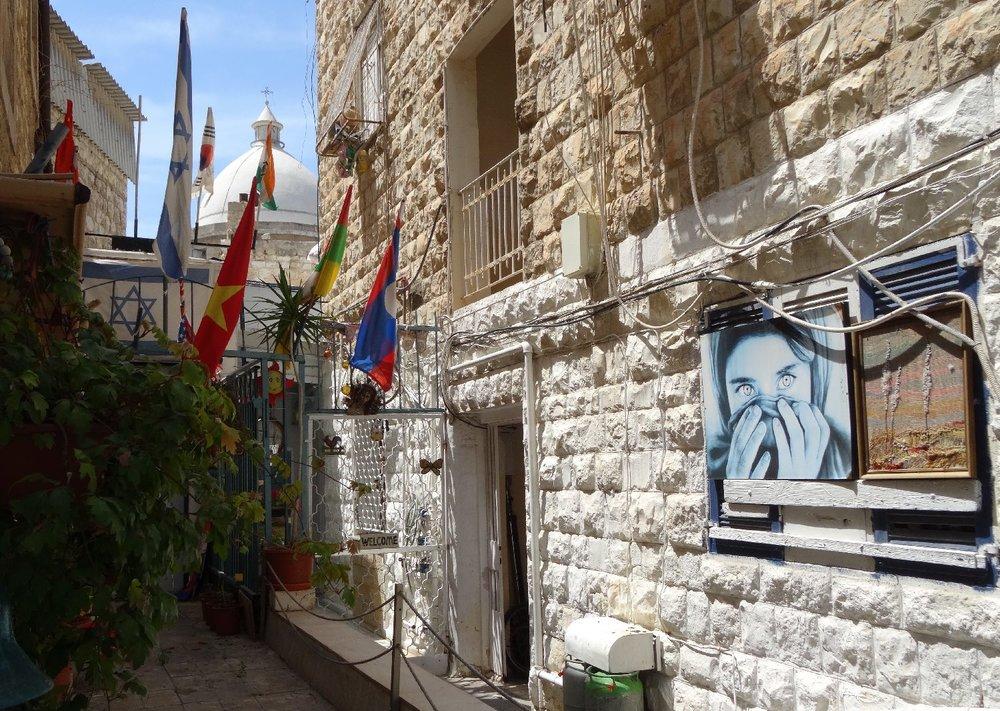 Haifa | House with Steve McCurry photo | photo sandrine cohen