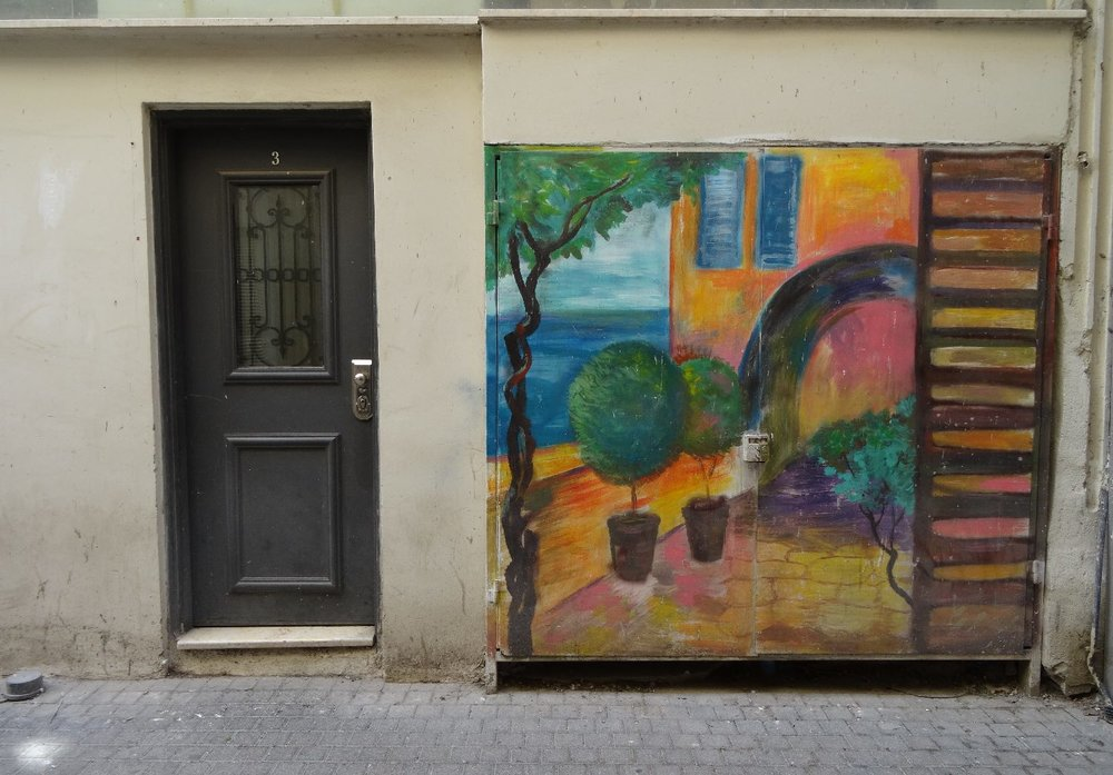 Haifa | Colors street art near door | photo sandrine cohen