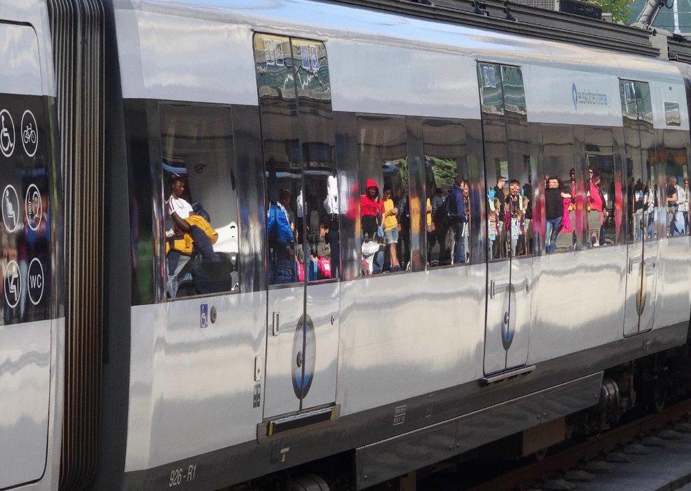 San Sebastien | San Sebastian | Donostia | Train Topo reflection | photo sandrine cohen