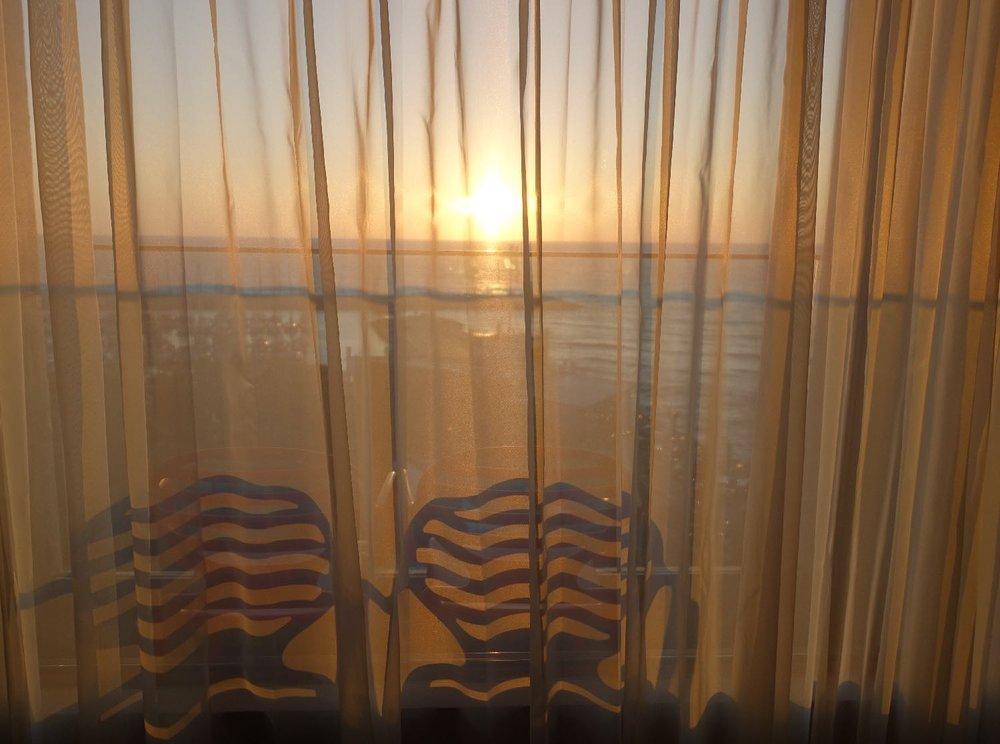 Tel-Aviv | Sunset on the sea | Balcony Carlton Hotel Tel Aviv | photo sandrine cohen