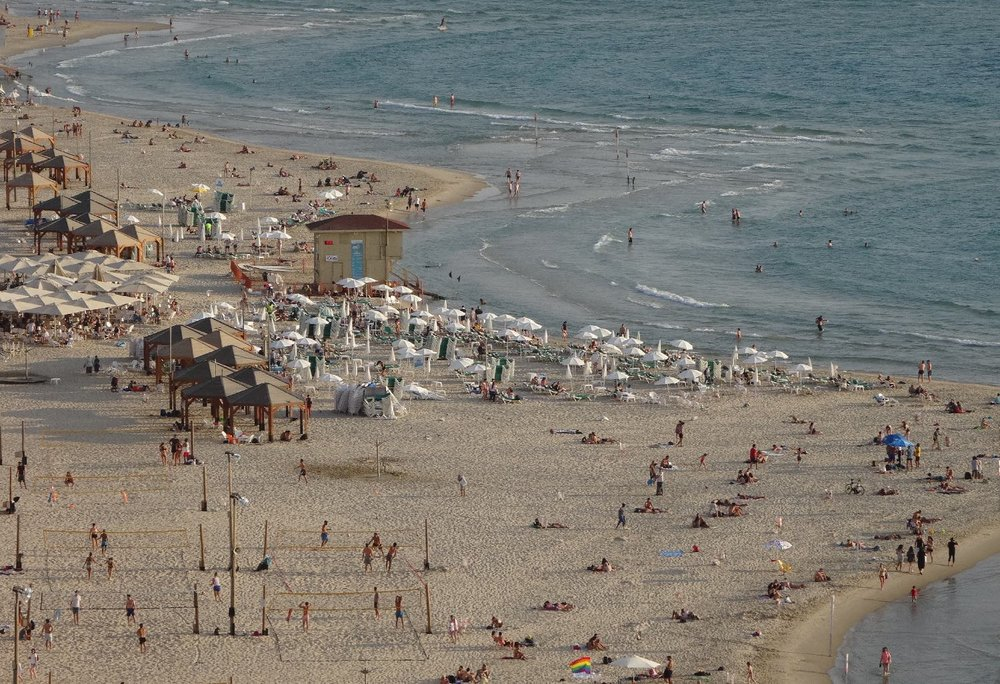 Tel-Aviv | People on the beach view form Carlton Hotel 2 | photosandrine cohen