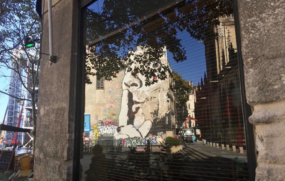 Jef Aerosol, artist street art |Fresque murale |Paris Saint-Merri |Reflection |©sandrine cohen