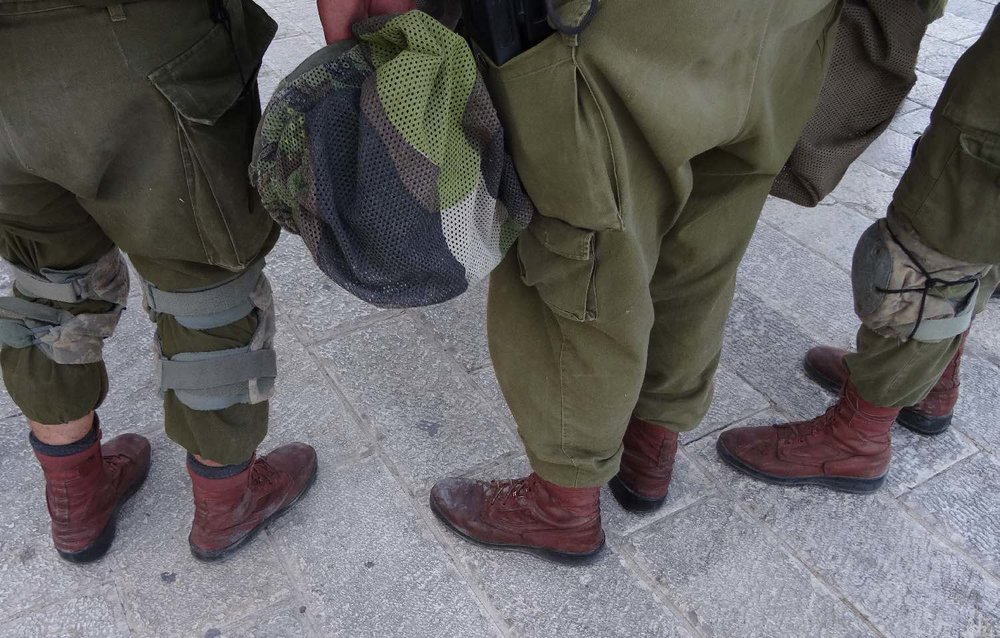 Jerusalem old city | Foots of israeli army | photo sandrine cohen
