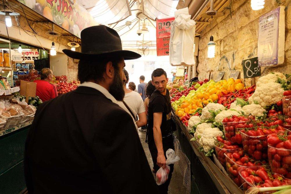 Jerusalem | Mehane Yehuda market | Orthodox jew | photo sandrine cohen