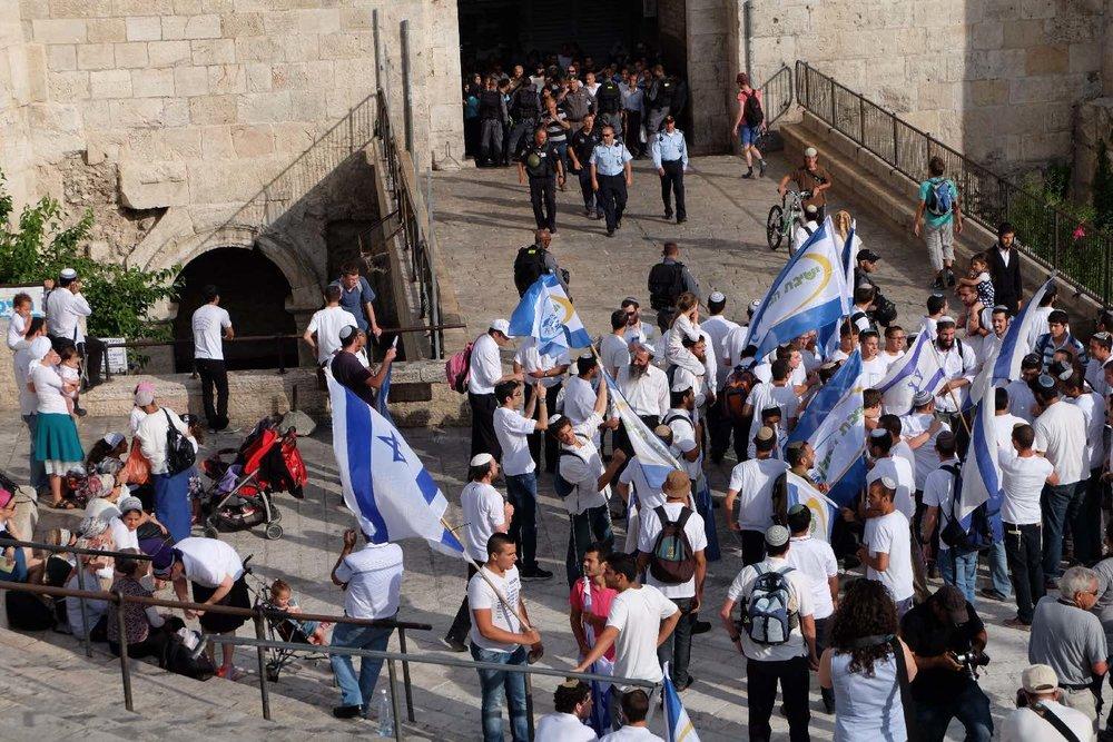 Jerusalem old city | Palestinian stranded at Damascus door during Jewish reunion | photo sandrine cohen