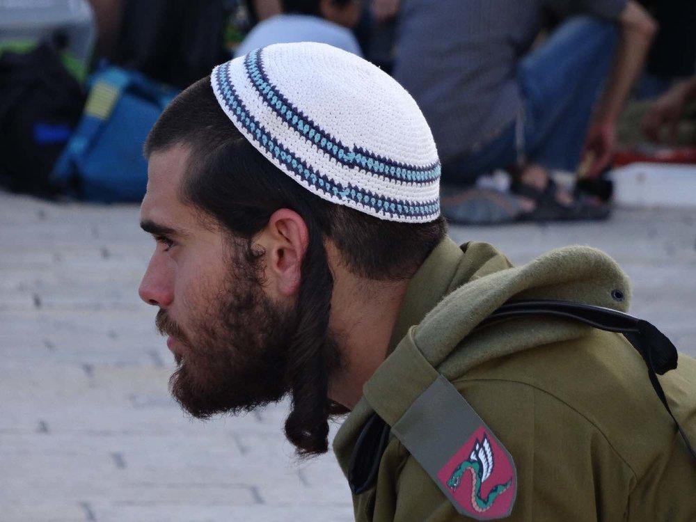 Jerusalem old city | Military with kippa | Photo sandrine cohen