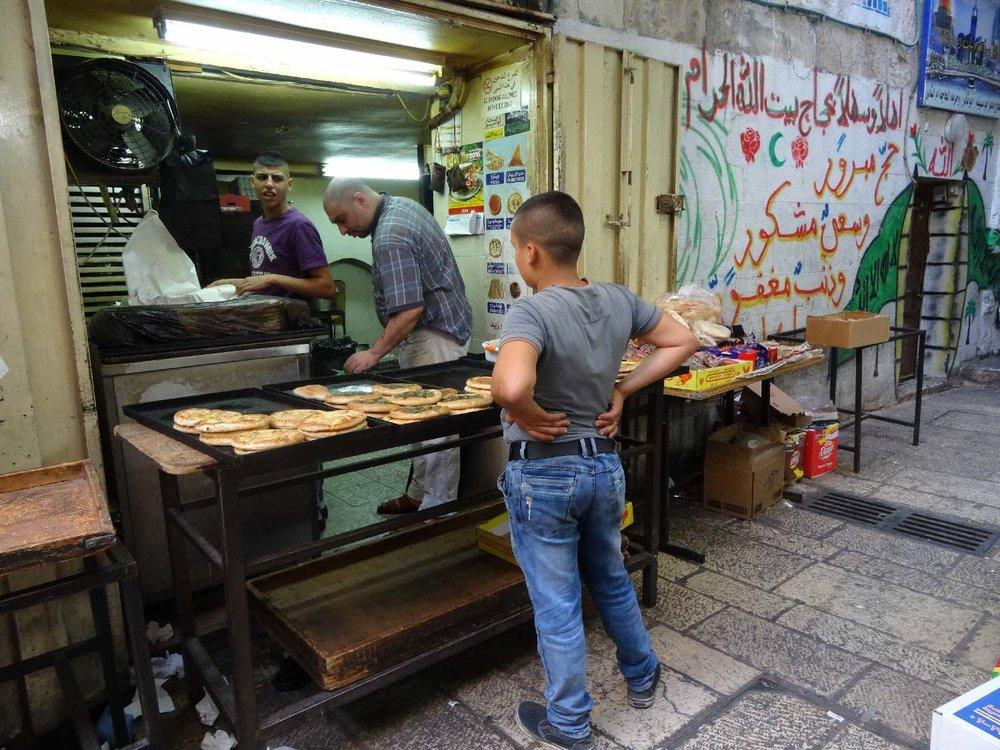 Jerusalem old city | muslin bred shop | muslin street art | arabic calligraphy | photo sandrine cohen