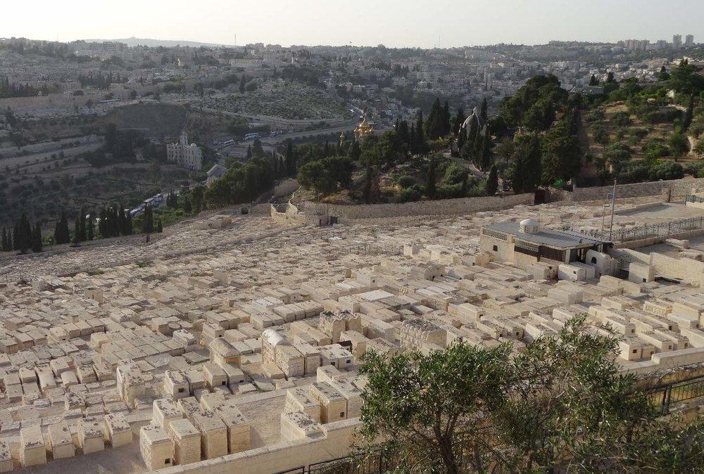 Jerusalem | Jewish cemetery on the Mount of Olives | photo sandrine cohen