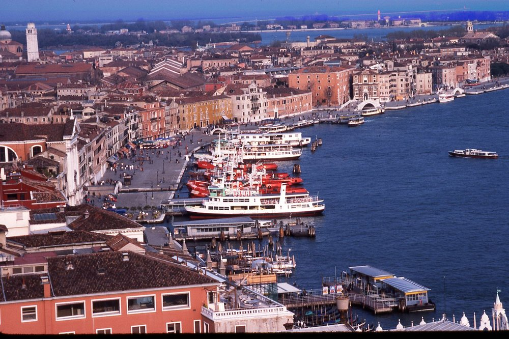 Venice | Italy | Cruise ships | Lagoon | Piers for ferrys | photo sandrine cohen