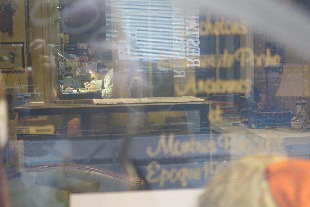 Horloger rue Montmartre | Paris 9e | photo sandrine cohen