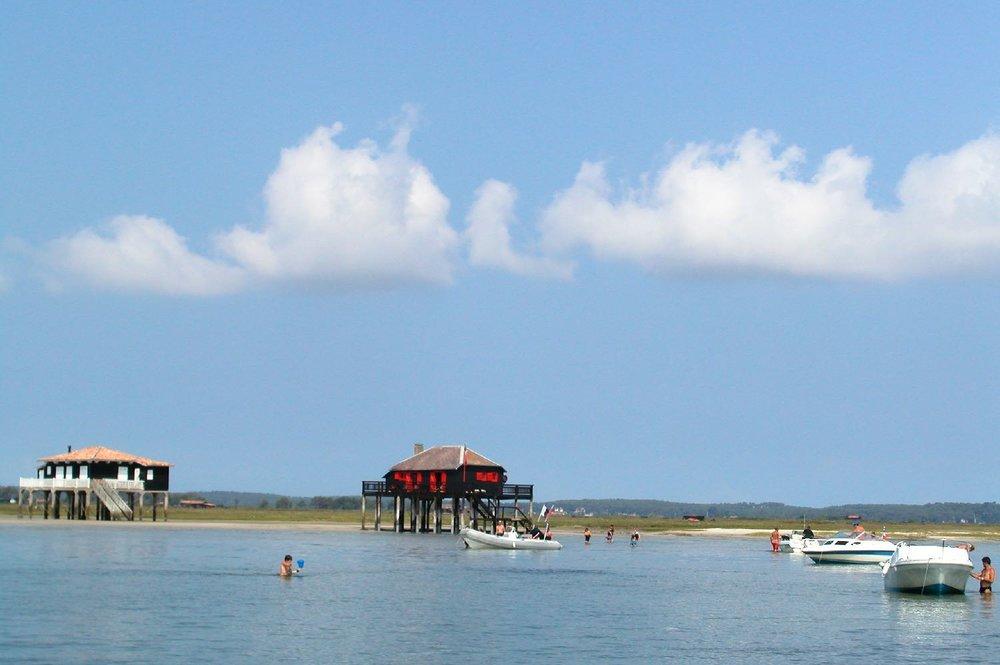 Bassin d'Arcachon | Ile aux oiseaux | Cabanes ostreicoles sur l'Ile aux oiseaux | Oyster huts on Bird Island Arcachon | photo sandrine cohen