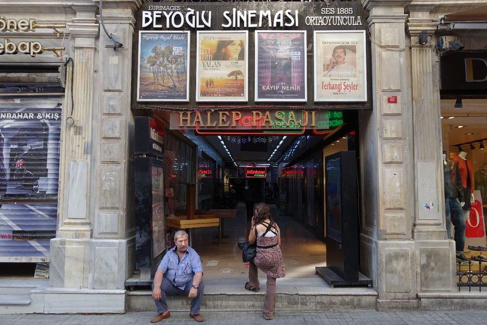 Istanbul | Istikhal street | Beyoglu cinema | ©sandrine cohen