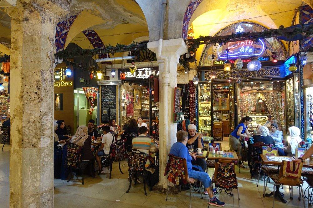 Istanbul | The Grand Bazaar of Istanbul | Grand Bazaar | Fes Cafe | ©sandrine cohen