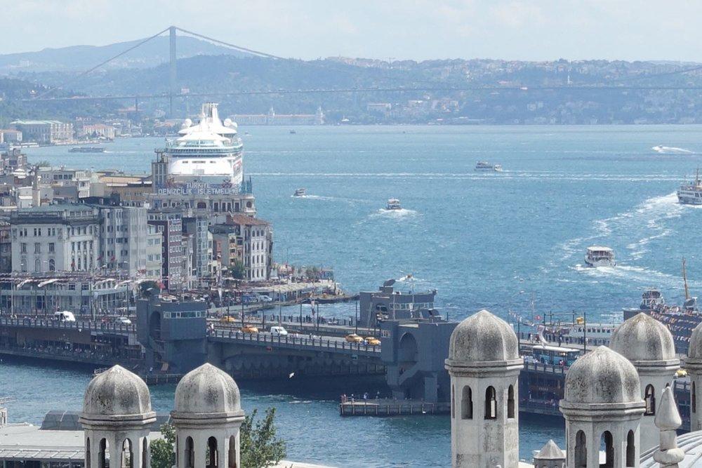 Istanbul | View from the Suleymaniye mosque | Bosphurus | Galata bridge | Asian coast of Turkey | ©sandrine cohen