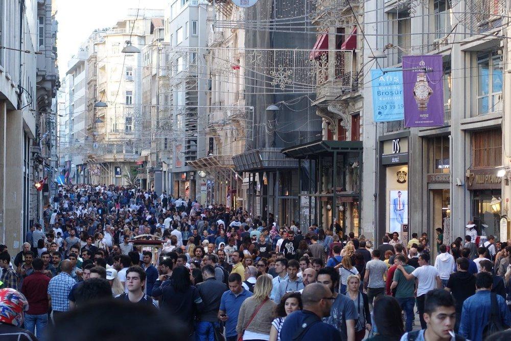 Istanbul | Istikhal street Taksim | Beyoglu disctrict |Crowd on the Istikhal street | ©sandrine cohen
