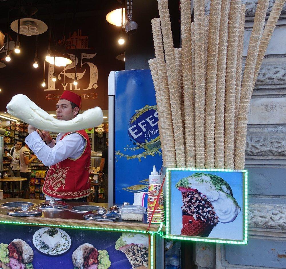 Istanbul | Turkish ice cream | Kahramanmaras ice cream | Maras ice cream | Istikhal street | ©sandrine cohen
