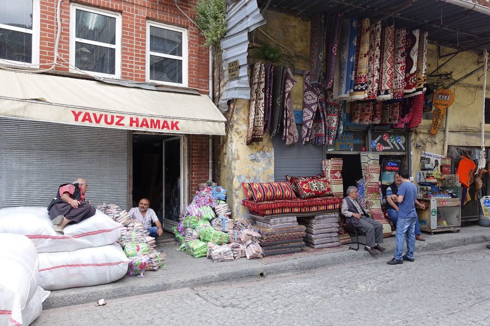 Istanbul | Wood houses Istanbul | Suleymaniye distric | Carpet merchants | | ©sandrine cohen