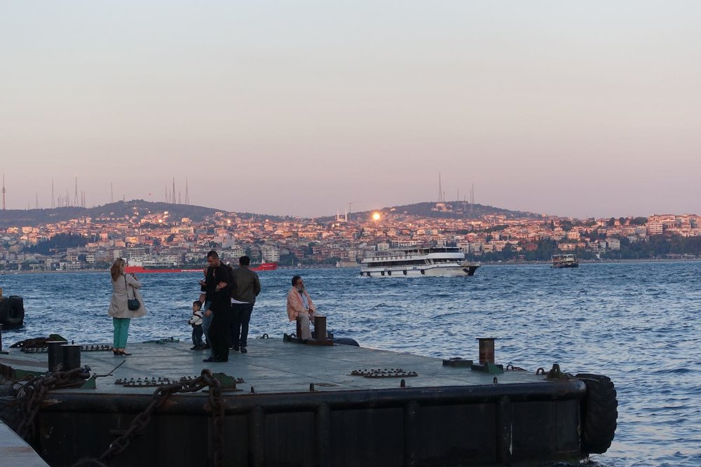 Istanbul | Asian coast of Turkey | sunrise | fisherman on the Bosphurus | ©sandrine cohen