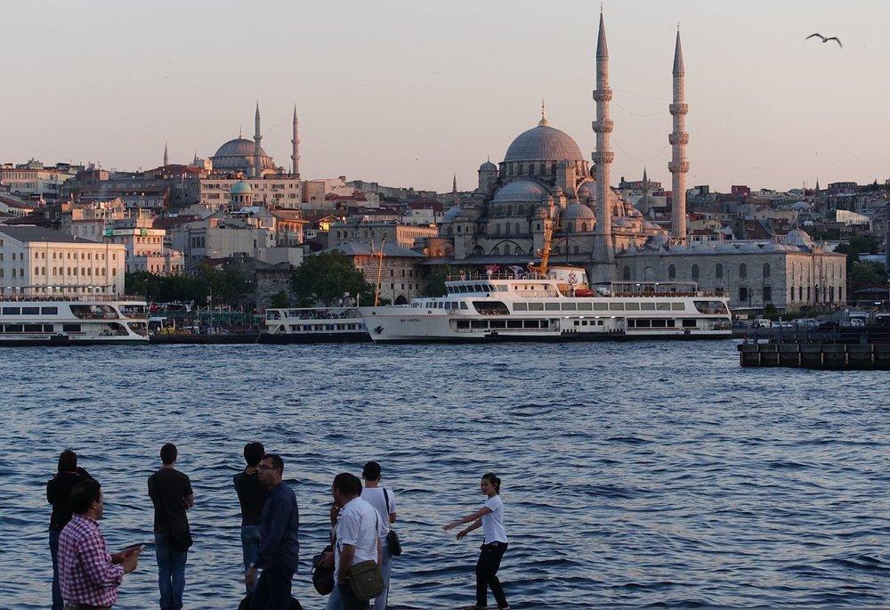 Istanbul | Turkey | Rustem Pacha and Süleymaniye Mosque | Bosphurus | streetphotography | ©sandrine cohen