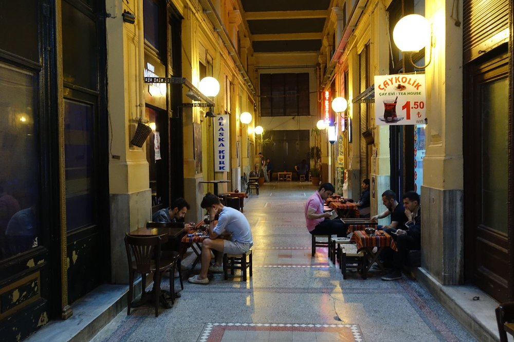 Istanbul | Istikhal street | Cicek Pasaji | Beyoglu district | ©sandrine cohen