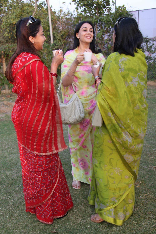 Princesse Diya Kumani (center)   Cocktail after the polo match   Jaipur Polo Club   Rambagh Polo club   Jaipur   India   ©sandrine cohen