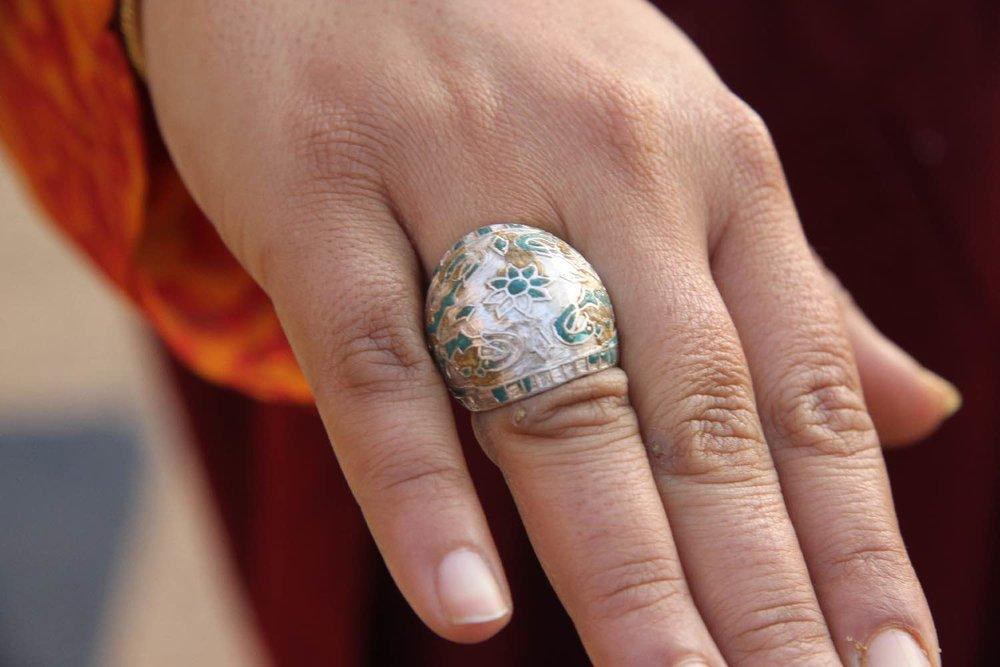 Royal family   Woman ring   Jewelry   Jaipur Polo Club   Rambagh Polo club   Jaipur   India   ©sandrine cohen