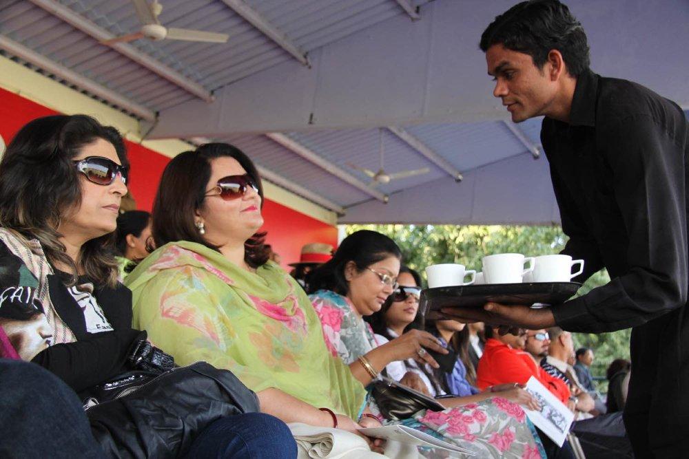 Royal public for exhibition polo match | Jaipur Polo Club | Rambagh Polo Club | Cup in memorial Maharani Gayatri Devi | Public | Photo sandrine cohen