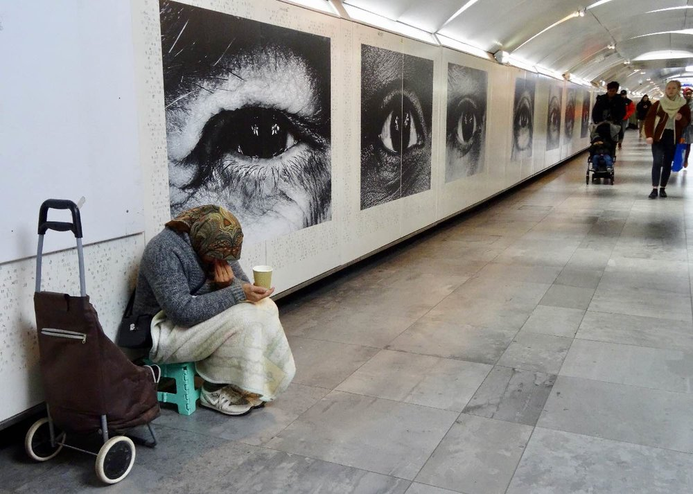 JR artist | RATP | Homeless metro Paris |la RATP invite JR |Metro Paris | Station Hôtel de Ville | Photographic collage | ©sandrine cohen