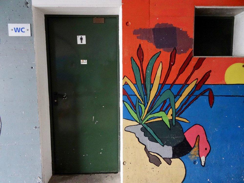 Toilettes Publiques au Landeron | Suisse | le Landeron | Canton de Neuchatel | photo sandrine cohen
