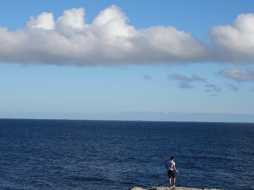 Batz sur mer | Loire Atlantique | Ocean Atlantic | A man standing in front of the ocean | photo sandrine cohen