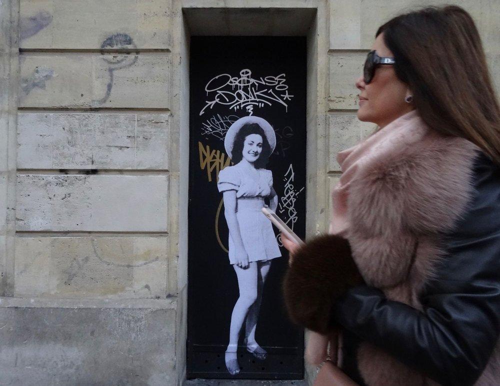 Paris street art | La femme et la pin-up | photo sandrine cohen