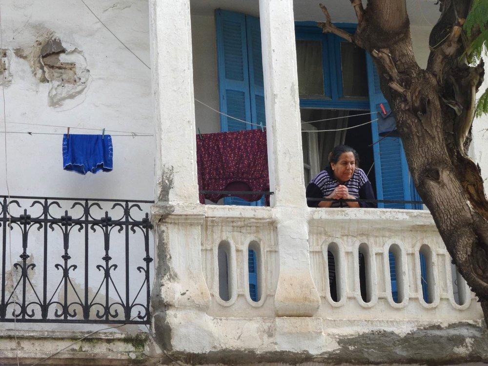 Tunis | Tunisia | Tunisienne au balcon | ©sandrine cohen