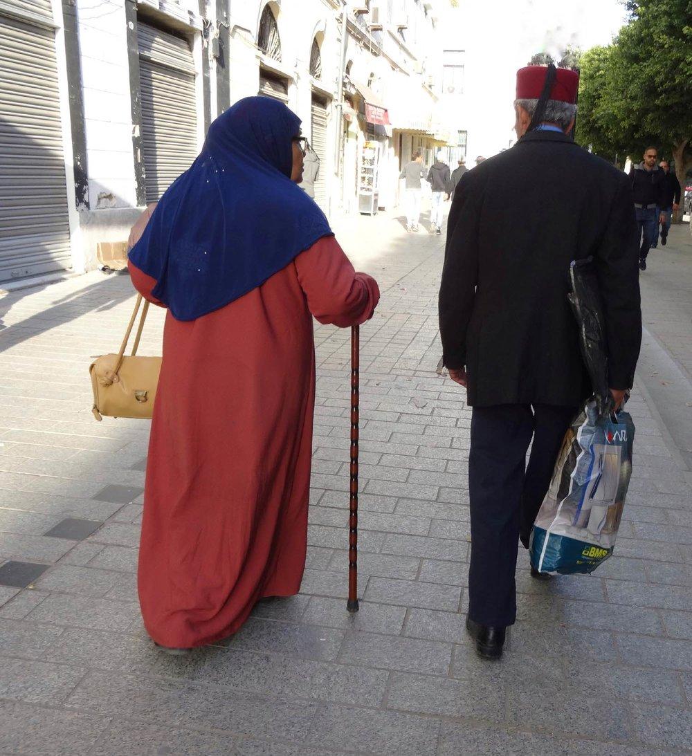 Tunis | Tunisia | Couple tunisiens traditionnels | avenue de France | ©sandrine cohen