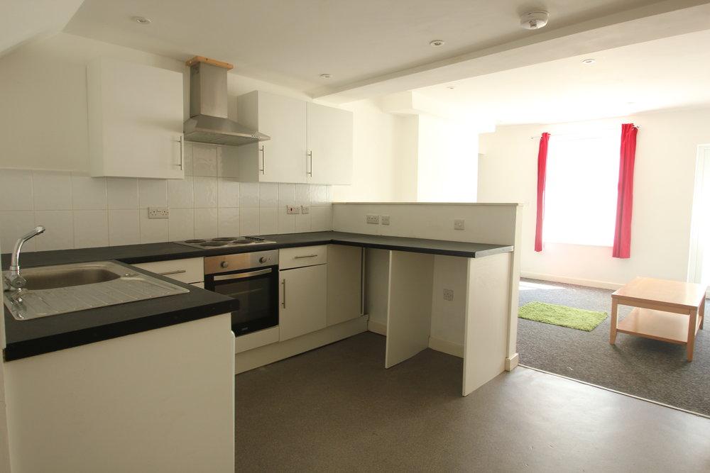 p1349 kitchen.JPG
