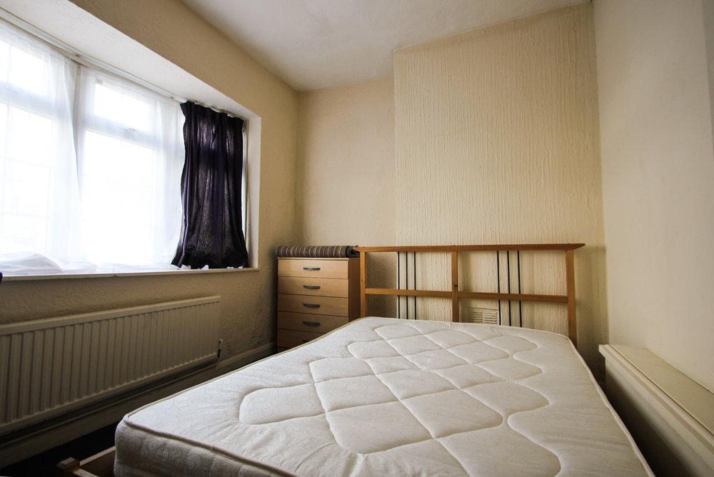 IMG_8323_edited.jpg bedroom 1.jpg