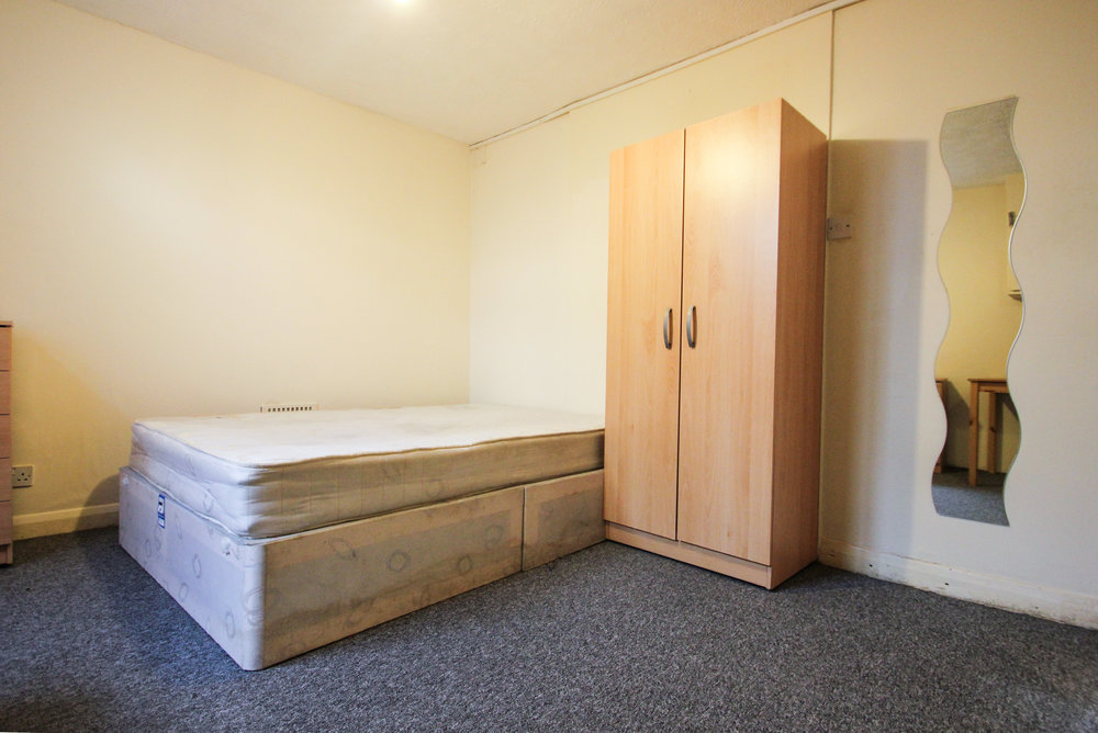 IMG_8333_edited.jpg bedroom 3.jpg